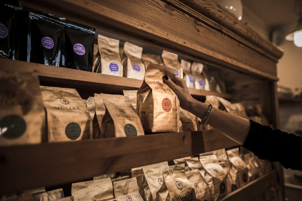 Kaffeeladen Kaffeeregal